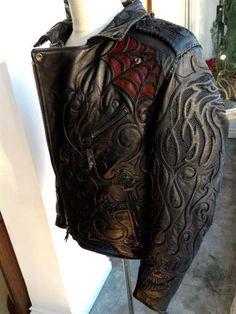 Кожаная куртка из крокодила мужская