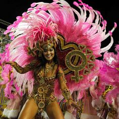 The 2012 Brazil Carnival was wonderful as always. Hundreds of glamorous revelers, dancers and performers took part in the Rio de Janeiro Carnival Parade.