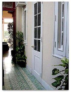 Detalle del acceso a las habitaciones. Luminoso. Cuba, Colonial, Windows, Ensuite Bathrooms, Double Bedroom, Ramen, Window