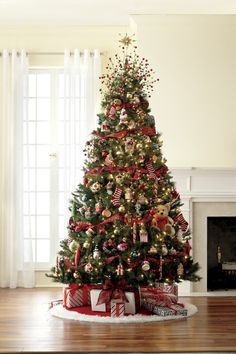 7 1/2' pre-lit mixed pine tree with night before Christmas decorations