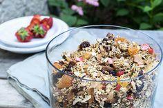 hjemmelaget kornblanding Granola, Acai Bowl, Cereal, Breakfast, Desserts, Food, Acai Berry Bowl, Morning Coffee, Tailgate Desserts