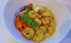 Curry Garnelen sind nicht nur lecker, sondern auch noch richtig fitness - tauglich. Dabei sind sie sogar einfach in der Küche zu handhaben. Hier das Rezept!
