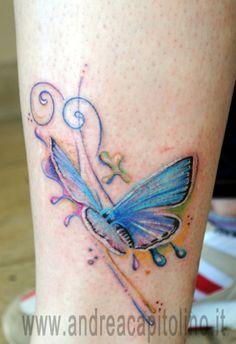 Tattoo colorato di farfalla in volo