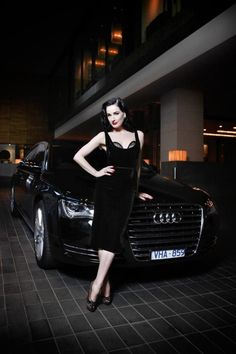 I adore that black velvet dress, it's like a dream made dress! Dita you're simply the best! :-)