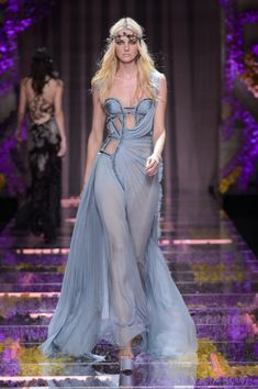 Atelier Versace at Couture Fall 2015 - Runway Photos