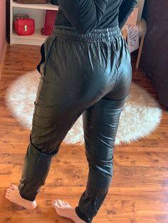 Nylons, Love Aesthetics, Tight Leather Pants, Plastic Pants, Pvc Vinyl, Girl Hijab, Sport Girl, Adidas Women, Sportswear