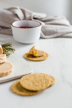 This incredible vegan foie gras is the perfect recipe to make this holiday season! It's incredibly delicious, easy and it tastes like the real thing! Fig Jam, Foie Gras, Best Appetizers, Perfect Food, Tahini, Plant Based Recipes, Food Inspiration