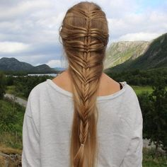 Beautiful Braided Hairstyle. Perfect to give an elven touch to your looks! :)
