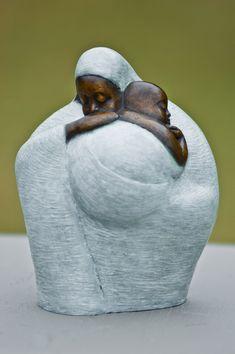 Nigerian sculptor Nnamdi Okonkwo Okonkwo was... | DYNAMIC AFRICA