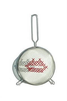 Full Mano - Cross-stitch on tea strainer