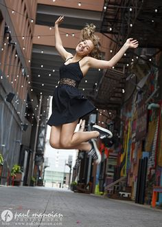 Senior pictures ideas for girls from downtown Detroit - Detroit Senior Pictures Photographer - https://www.paulmanoian.com/photography/2016/07/novi-senior-pictures-photographer-detroit