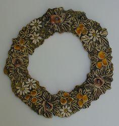 pandora maria lalaouni - Αναζήτηση Google Clay Projects, Diy And Crafts, Pandora, Wreaths, Ceramics, Sculpture, Halloween, Fall, Flowers