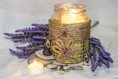 ~ click pe site pentru a cumpăra ~ ❁ ~ Artisan craft flower vase / candle holder / storing recipe. This is a handmade decorated with twine, rope, and red roses mason jar.