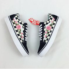 100% Authentic Vans with roses for sale. -Low top Old Skool Checkered vans. -Rose vines are located on the outsides of both shoes. -100% brand new and comes in original box. -Custom made by professionals. -Roses will not decay or fall off overtime. -Unisex Shoe, please be careful when