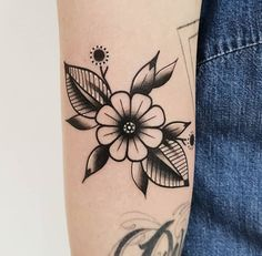 Black Ink Tattoos, Leg Tattoos, Flower Tattoos, Body Art Tattoos, Small Tattoos, Sleeve Tattoos, Cool Tattoos, Octopus Tattoos, Tattoo Forearm