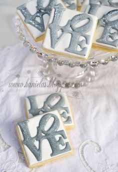 LOVE Wedding Cookies  www.hanielas.blogspot.com