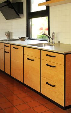 Black Wood Kitchen Cabinets - Black Wood Kitchen Cabinets , Tall Dark and Handsome Cabinets Plete This Victorian Painted Hardwood Floors, Hardwood Floors In Kitchen, Wooden Kitchen Cabinets, Zen Kitchen, Kitchen Dining, Kitchen Decor, White Shaker Cabinets, Blue Cabinets, Black Kitchens