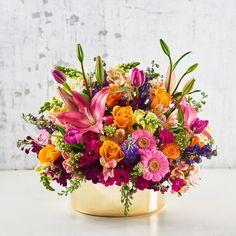 Alegría de colores Red Rose Arrangements, Beautiful Flower Arrangements, Floral Centerpieces, Home Flowers, Spring Flowers, Yellow Flowers, Beautiful Flowers, Flora Botanica, Photo Bouquet