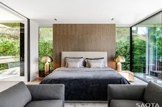 Architecture firm SAOTA has recently completed this modern summer house in Saint Tropez, France, that features a wavy concrete ceiling. Open Space Living, Living Area, Living Spaces, Saint Tropez, Concrete Ceiling, Timber Ceiling, Houses In France, Interior And Exterior, Interior Design
