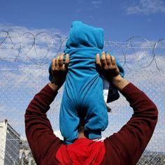 Storming the border #Idomeni #Grecia - by Alexandros Avramidis