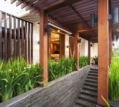 BALI MODERN HOUSE, Pantai Indah Kapuk (August 2009) For most people, 'Tropics' and 'Tropical Architecture' conjured up images of a lush tropical landscape il...