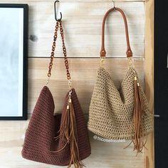 Bolsos Best 12 Discover Art inspiration, ideas, styles – Page 564849978263647569 – . Crochet Tote, Crochet Handbags, Crochet Purses, Crochet Baby, Free Crochet, Knit Crochet, Hand Knit Bag, Sewing Patterns, Crochet Patterns