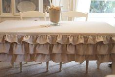 ruffled tablecloth - drop cloth or burlap Ruffled Tablecloth, Tablecloth Ideas, Diy Casa, Craft Show Displays, Burlap Crafts, Diy Crafts, Deco Table, Decoration Table, Slipcovers
