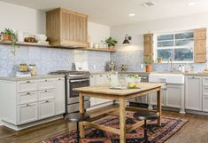 I like the way they hid the range hood .....The 'Fixer Upper' Home Featured on Last Week's Episode Is Already Back On the Market