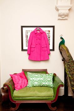 Kate Spade President and Creative Director, Deborah Lloyd's stunning Brooklyn apartment. Or maybe why not a coloured peacock... #character; Schiaparelli pink coat and pillow. (Via The Coveteur)