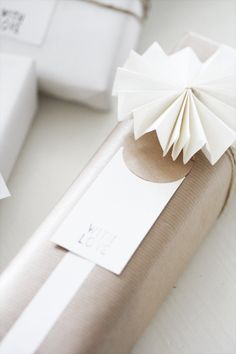Modern Holiday // simple, elegant minimal wrapping idea // via decor trix