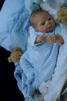 Mummelbaerchens Sammie, so cute Reborn Baby Boy, sculpt by Adrie Stoete, belly p