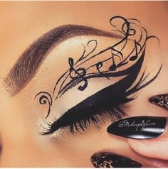 Treble clef eye make up from @mua_nina instagram