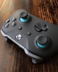 Joystick Xbox One Custom Xbox One Controller, Xbox Controller, Consoles, Manette Xbox One, Playstation, Cosplay League Of Legends, Best Gaming Setup, Gamer News, Video Game Rooms