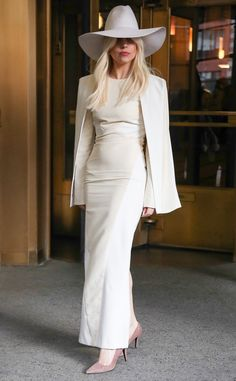 Chic white outfit; white hat; Lady Gaga 2013