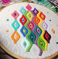 embroidery hoop art - satin stitch
