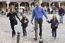 Letizia, Felipe y las infantas, turistean como una familia cualquiera