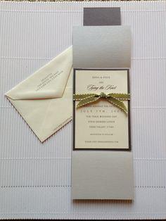 Gelegotis-Pagoaga inside detail with ribbon.