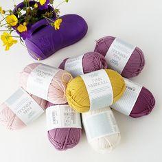 ~FERIE~DANMARK- Disse nøstene skal være mine følgesvenner på en laaang biltur i dag/natt og i morgen. Forhåpentligvis blir det tid til litt strikking i Danmark også☺☺ #bilstrikk#feriestrikk#tynnmerino#sandnesgarn#strikkedilla#knitinspo123#barnestrikk#garn#yarn#knitinspiration#knitting_inspiration#strikk#strikking#strikket#sticka#strik#klompelompekofte#klompelompe#knit#knitting#knitted#knitstagram#knittersofinstagram#instaknit