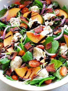 Burrata Recipe, Burrata Salad, Burrata Cheese, Caprese Salad, Cooking Recipes, Healthy Recipes, Yummy Recipes, Diet Recipes, Bacon Salad