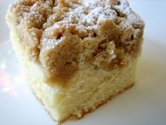 New York-Style Crumb Cake--this is the best coffee cake ever--it's from Cook's Illustrated Just Desserts, Delicious Desserts, Yummy Food, Betty Crocker, Halloween Desserts, Baker And Spice, Crumb Coffee Cakes, Crumb Cakes, Yummy Treats