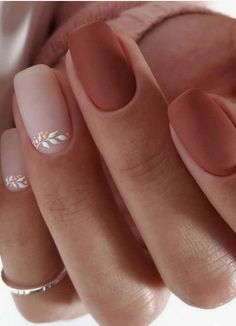 41 Best Winter Nails Design In 2020 41 Best Winter Nails Design In Related Crazy Cute Winter Nail Designs Worth Copying This Year! 2730 Cute Winter Nails Designs to Inspire Your Winter. Classy Nails, Stylish Nails, Cute Nails, Pretty Nails, Simple Nails, Cute Fall Nails, Pretty Short Nails, Best Acrylic Nails, Acrylic Nail Designs