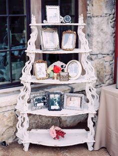 Vintage Shabby Chic Wedding Decor | photography by http://www.michelleboydphotography.com