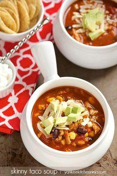 Skinny taco soup is healthy comfort food that's easy to make | yankeekitchenninja.com