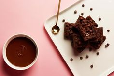 Fudgy, chocolatey, and oh so indulgent, these brownies will make you forget that there are black beans and lentils packed inside. Don't believe us? Give the recipe a try. This sweet treat is gluten-free, protein-rich, and a chocolate lov... Matcha Chia Seed Pudding, Black Bean Brownies, Blueberry Lemonade, Frozen Pineapple, Frozen Blueberries, Nutribullet, Gluten Free Desserts, Chocolate Lovers, Brownie Recipes