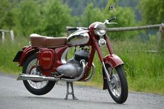 Jawa 350/354 Vintage Motorcycles, Cars And Motorcycles, Vintage Bikes, Vintage Cars, Moto Jawa, Classic Bikes, Classic Cars, Jawa 350, Cute Good Night