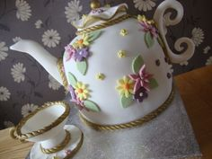 teapot cake-love this, if I ever made a cake for myself!