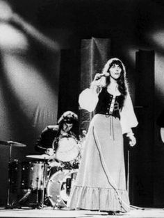 Richard Carpenter, Karen Carpenter, Karen Richards, Perfect Woman, Forever Young, Singer, Concert, Bands, Women