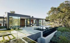 Inspiratie: Strakke villa met zwembad op het dak