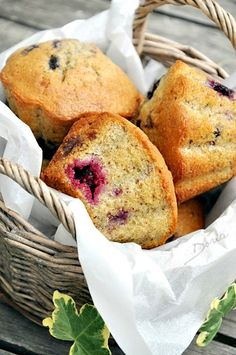 """Je suis ravie de participer au Muffin Monday#38 sur le thème des sous-bois proposé par Sandy du site Cuisine et Cigares , avec Lydie """" Les gourmandises de Lydie """" et Irisa """" Cuisine et couleurs """". Comme le dit si bien Sandy : """"Qui dit sous-bois, nous..."""