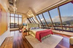 Hawa'i Sophisticated and modern penthouse in Honolulu Listed by: Megumi Fujioka at Century 21 All Islands Fine Homes & Estates in Hawaii   Mathew Huy Ngo